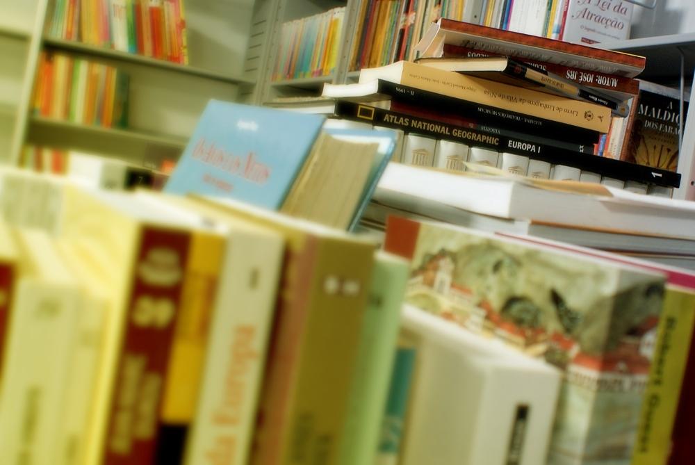 2015-180-entrega-de-livros-escolares-press