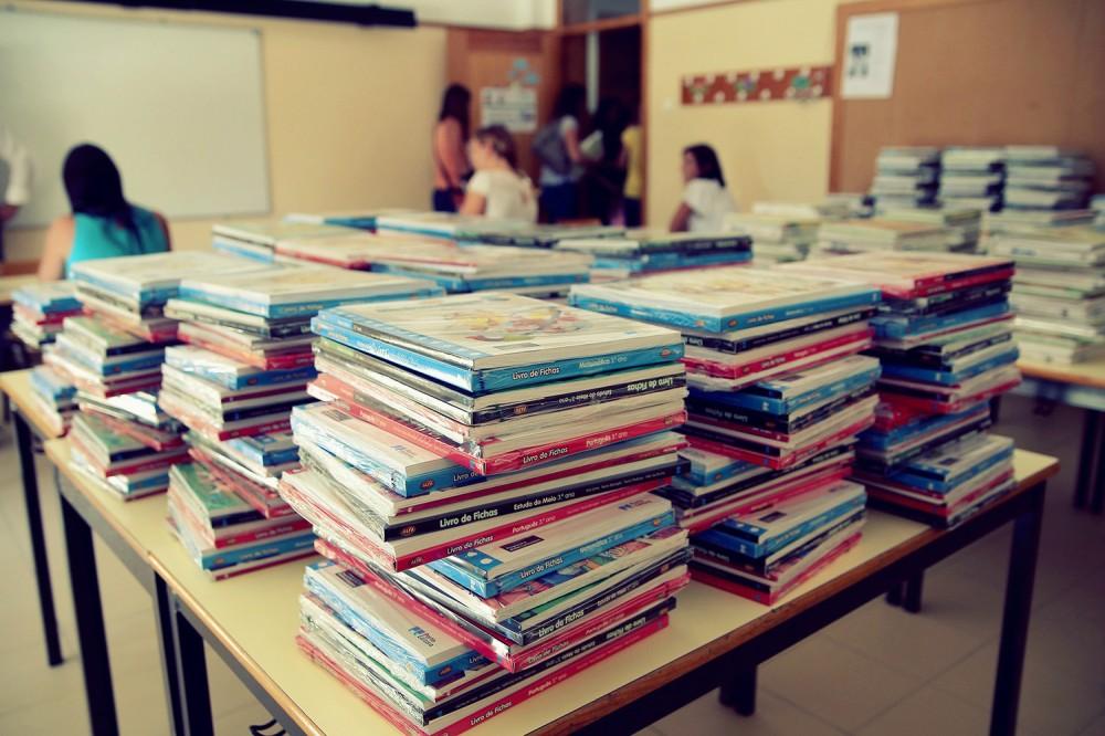 entrega-manuais-escolares